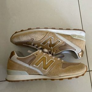 New Balance 996's Sneakers Women's Size 8